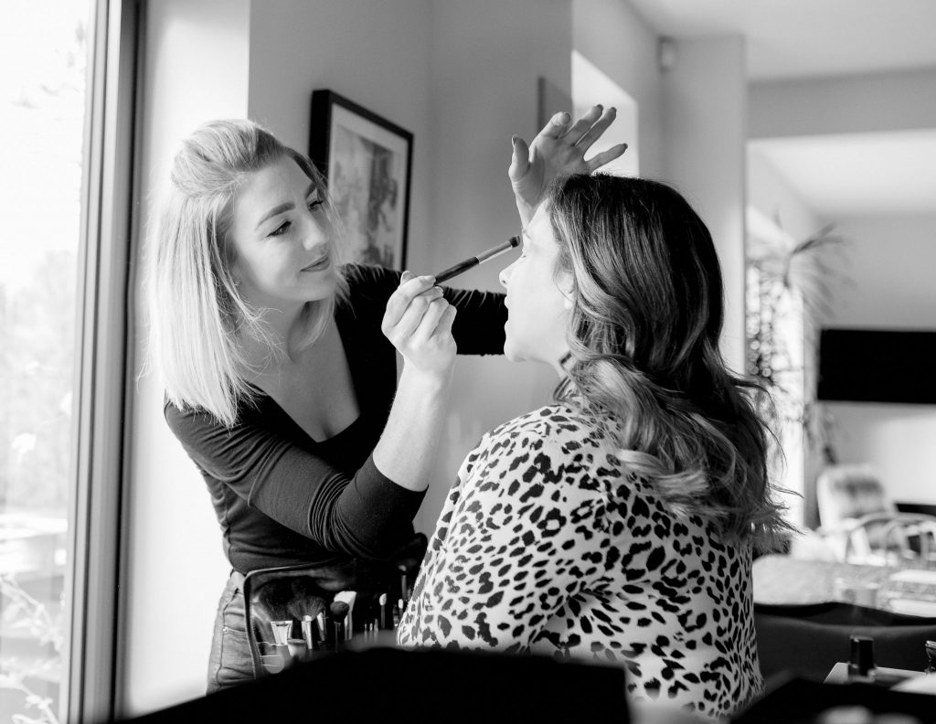 maternity make-up photo session